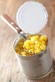 Milho doce enlatado Fotos de Stock
