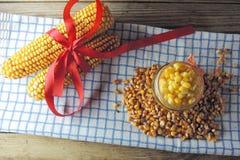 Milho enlatado e milho molhado Foto de Stock Royalty Free
