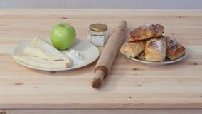 Milhojas con las manzanas Imagen de archivo libre de regalías