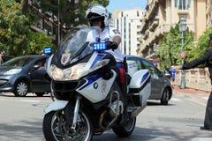 Milicyjna motocyklista eskorta książe Monaco Fotografia Royalty Free