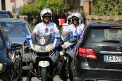 Milicyjna motocyklista eskorta książe Monaco Zdjęcie Royalty Free