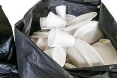 Milieu vijandige geschikte storaxschuimplaten en koppen in g Stock Foto