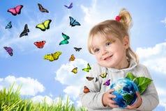 Milieuconcept met weinig kind stock foto