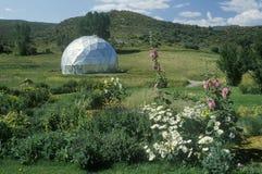 Milieuonderzoek bio-Koepel bij de Windstar-Stichting in Esp, Co stock foto
