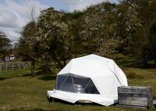 Milieuvriendelijk kamp in Tierra del Fuego royalty-vrije stock afbeeldingen