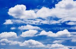 Milieux de ciel bleu Images libres de droits