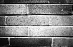 Milieux noirs et blancs de grunge d'abrégé sur mur de briques Images libres de droits
