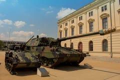 Militär armerad behållaretysk - haubits 2000 Arkivfoto