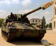 Militär armerad behållaretysk - haubits 2000 Fotografering för Bildbyråer