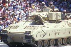 Militär behållare i ökenstormen Victory Parade, Washington, D C Royaltyfria Foton