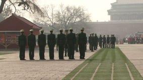 Militär bohrt herein Peking China stock footage