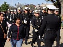 Militär hedersvakt Marching Arkivbilder