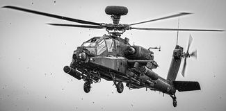 Militär helikopter Apache Royaltyfria Foton