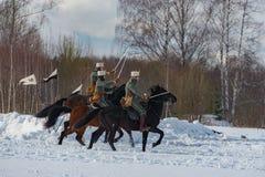 Militär-historische Rekonstruktion von Kämpfen von Zeiten der ersten Welt auf dem Borodino fangen am 13. März 2016 auf lizenzfreie stockfotos
