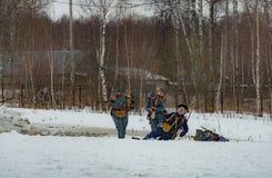 Militär-historische Rekonstruktion von Kämpfen von Zeiten des ersten Weltkriegs, Borodino, am 13. März 2016 lizenzfreie stockfotos
