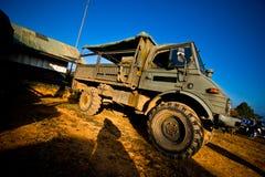 Militär lastbil Arkivfoto