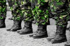 Militär likformig för kamouflage Fotografering för Bildbyråer