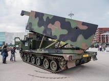 Militär MLRS-raketgevär Royaltyfri Foto