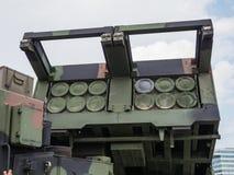 Militär MLRS-raketgevär Royaltyfri Bild