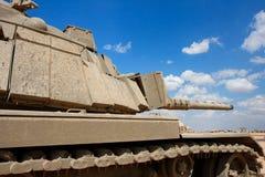 militär near gammal behållare för base israelisk magach Arkivfoton