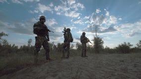 Militär soldat i rad lager videofilmer