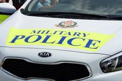Militär tatuering COLCHESTER ESSEX UK 8 Juli 2014: Bil för den militära polisen Arkivbild