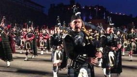 Militär tatuering för kunglig Edinburg stock video