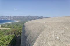 Militära befästningar längs kusten av Sardiniaen Royaltyfri Foto
