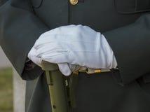 Militära behandskade händer Royaltyfria Bilder