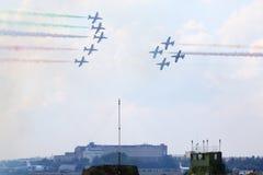 Militära flygplan från Italien på airshow Arkivbilder