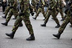 Militära kängor Arkivfoto
