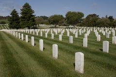 militära kyrkogårdgravar arkivbilder