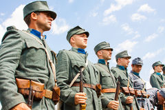 Militära reenactors i likformig av ett världskrig II Royaltyfria Foton