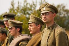 Militära reenactors i likformig av ett världskrig II Fotografering för Bildbyråer