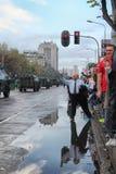Militären ståtar i BELGRADE Royaltyfria Foton