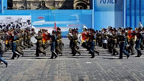Militären ståtar i Moskva, Ryssland, 2015 stock video