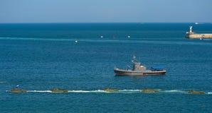 Militären ståtar i Sevastopol arkivbilder