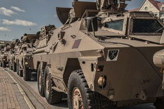 Militärfahrzeug-Prozession Lizenzfreie Stockbilder