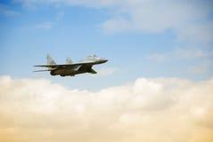 Militärflugzeug MIG stockfotos