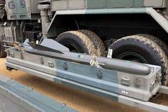 Militärfordon med missilen Royaltyfria Bilder