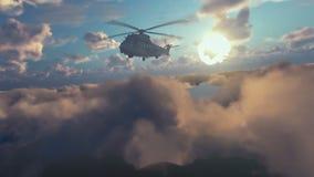Militärhubschrauber, der über Wolken bei Sonnenaufgang surveilling ist stock video