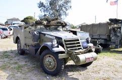 militärisch Helles gepanzertes Fahrzeug Stockfotos