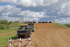 Militärische Ausrüstung, die an der Show teilnimmt lizenzfreies stockbild