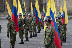 Militärparade in Bogota, Kolumbien lizenzfreie stockfotos