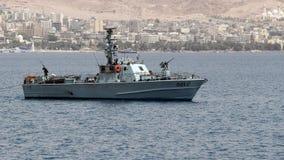 Militärt fartyg för israelisk gräns nära gränsen med Jordanien royaltyfria bilder