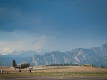 Militärt flygplan Arkivbild