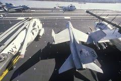 Militärt kämpeflygplan ombord den USS Forrestal hangarfartyget, New Orleans, Louisiana arkivfoto