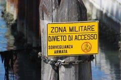 Militärzonen-Zeichen Venedig Stockfoto