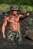 Militair in actie Stock Foto