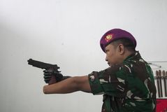 Militair With Bionic Hand in Indonesië Royalty-vrije Stock Afbeelding